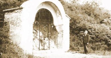 A Lourdes-i grotta Ercsiben